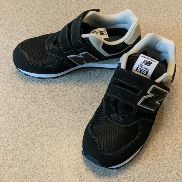 75ed8e11493d6 New Balance Shoes   574 Black Gym Shoe Sneaker Kids   Poshmark